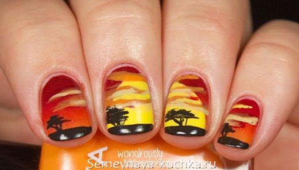 дерево на градиентных ногтях