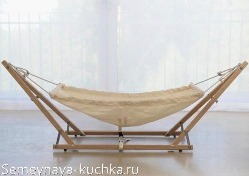 гамак на деревянной основе