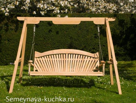 качели со скамейкой для дачи
