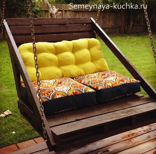 качели-диван для дачного участка