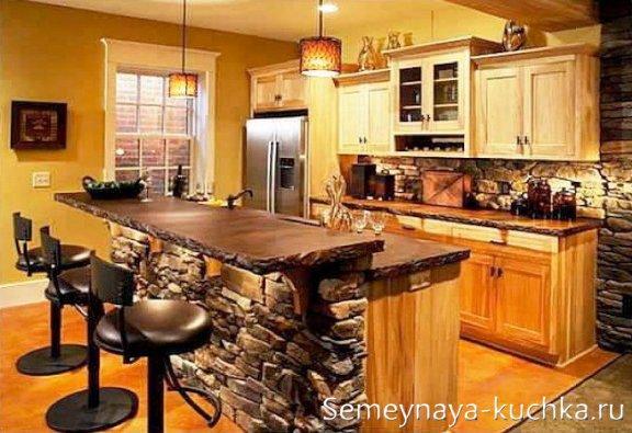 фактура камня и дерева в интерьере кухни