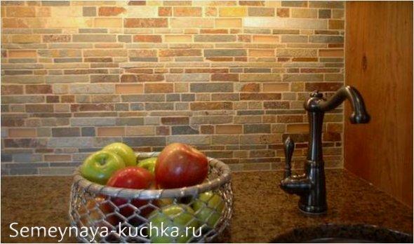 кирпичная облицовка в интерьере кухни