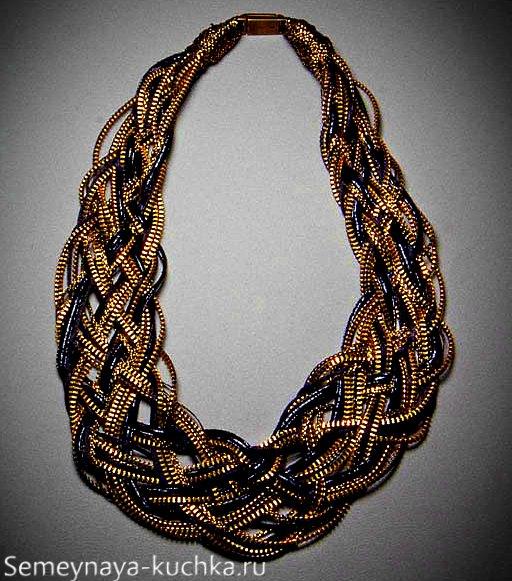 ожерелье-хомут из молнии
