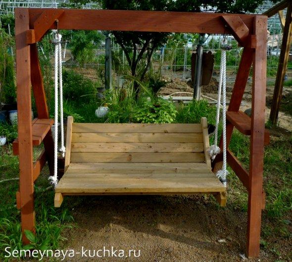 садовые качели со скамьей