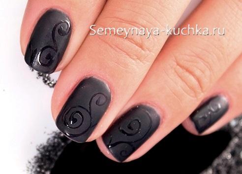 маникюр черный на короткие ногти