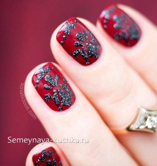 черно красный маникюр на короткие ногти