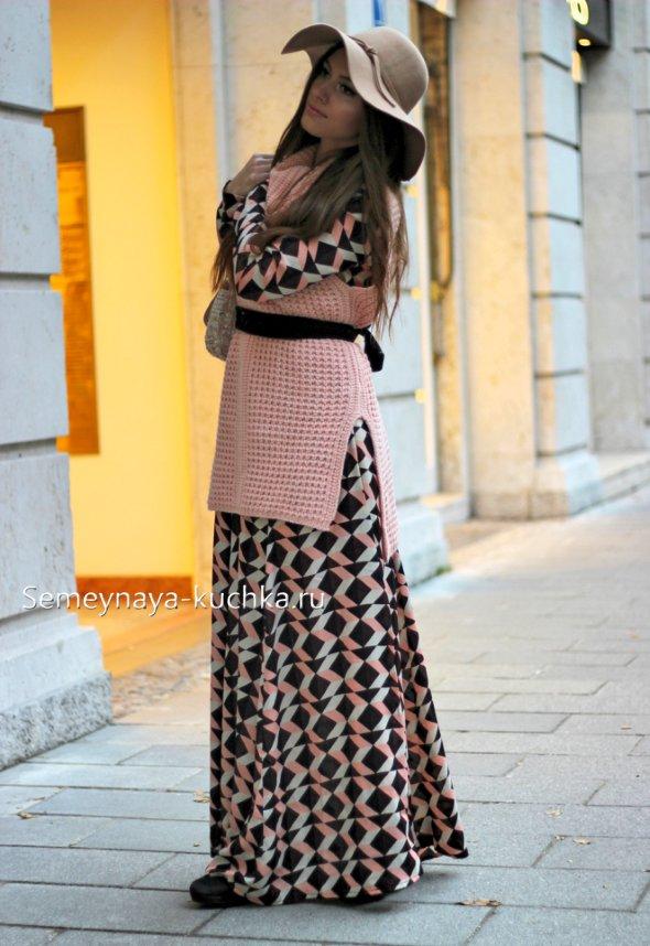 с чем носить длинное платье осенью