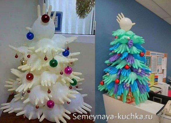 елка из перчаток для украшения офиса