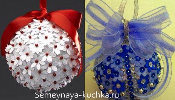 новогодний шар с цветами