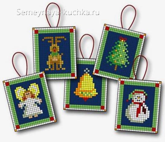 маленькие схемы вышивки новогодней