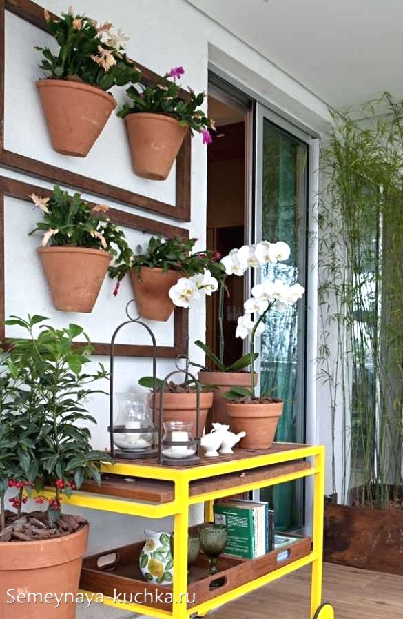 вертикальная клумба на балконе