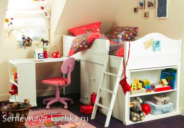 кровать-чердак со столом для девочек