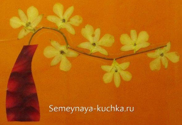 картина из лепестков цветов