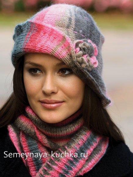 шапка вяленая на спицах с отворотом