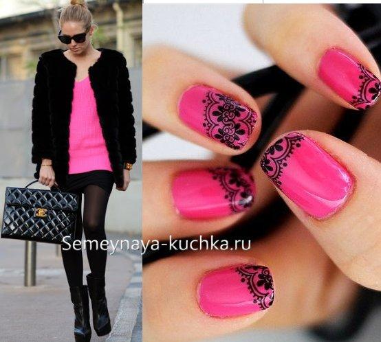 модный розово-черный маникюр