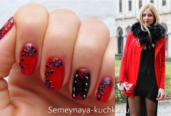 красно-черные ногти под пальто