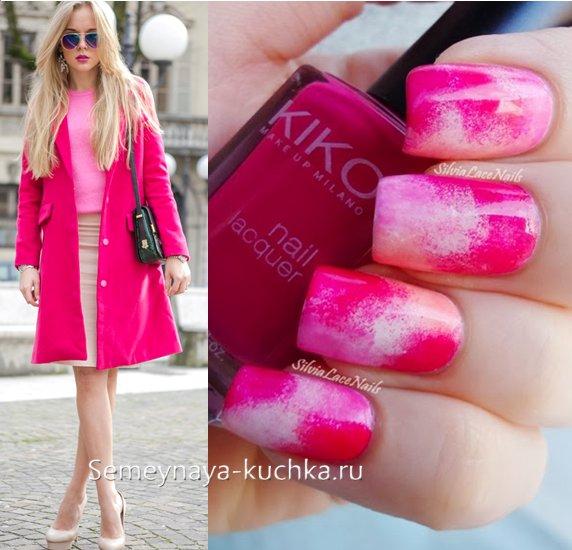 розовый маникюр под новое пальто