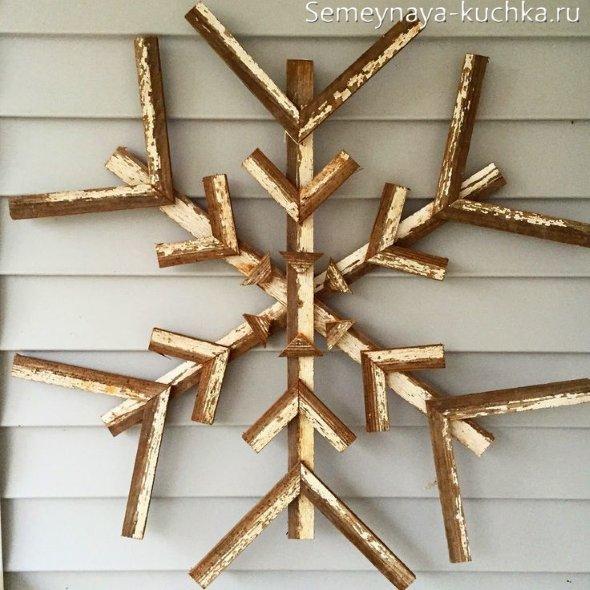 снежинка из дерева своими руками