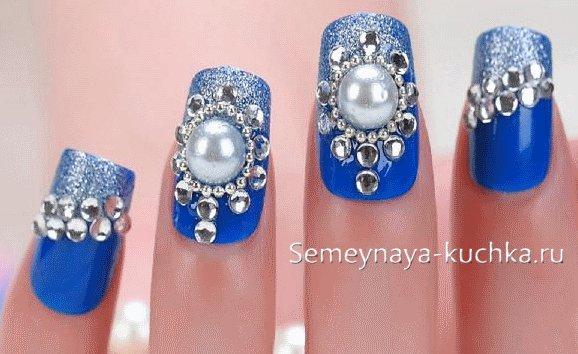 дизайн ногтей зима со стразами
