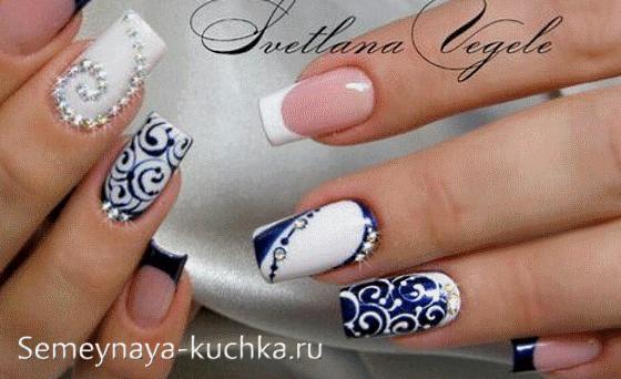 Рисунки на ногтях синих