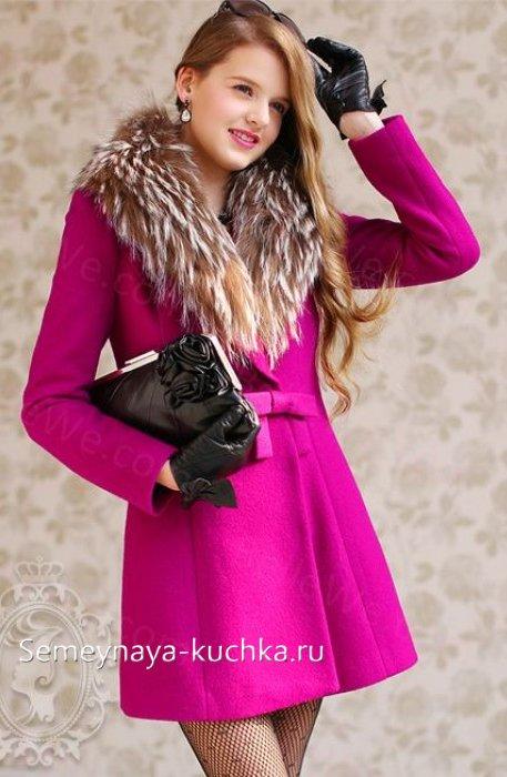 пальто с мехом весна