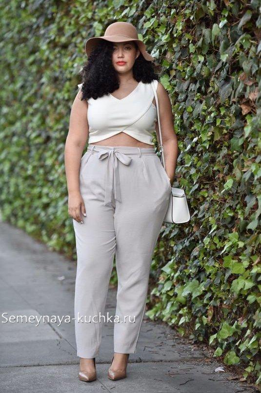 как одеваться полным женщинам в белое