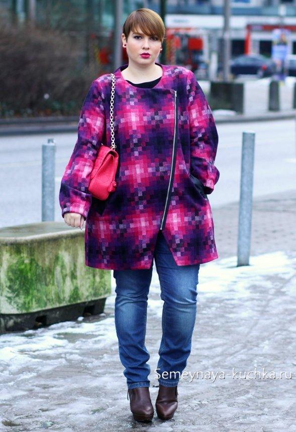 яркое пальто для полных