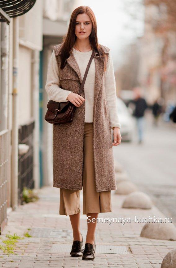 осеннее теплое пальто без рукавов