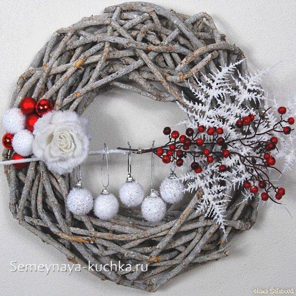 как сделать рождественский венок на дверь