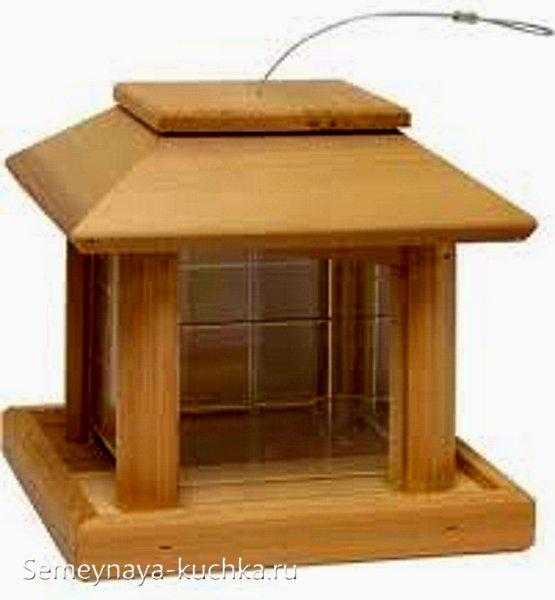 прямоугольная деревянная кормушка