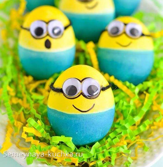 поделки миньоны из яиц