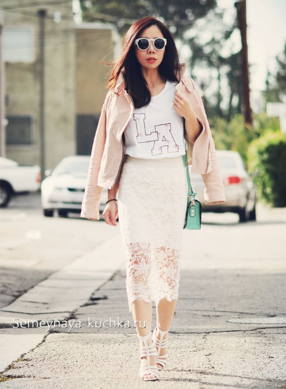 белая юбка карандаш с курткой