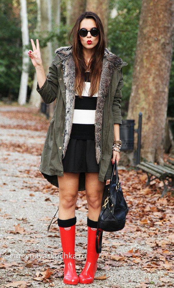 как носить куртку парку с юбкой и сапогами