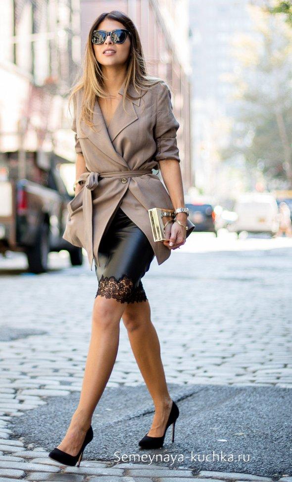 черная юбка с кружевом
