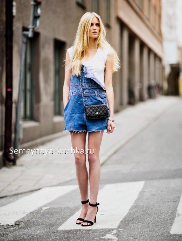 летние комбинезоны из джинсы