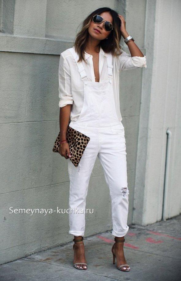 белый женский комбинезон на лето из джинсы