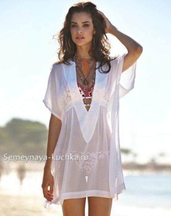 пляжное платье из белой ткани