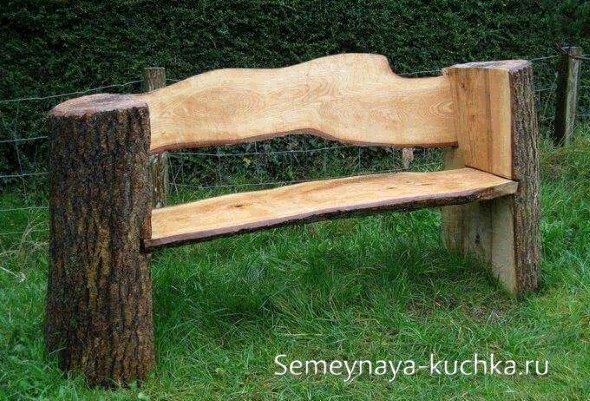 скамейка из бревна садовая