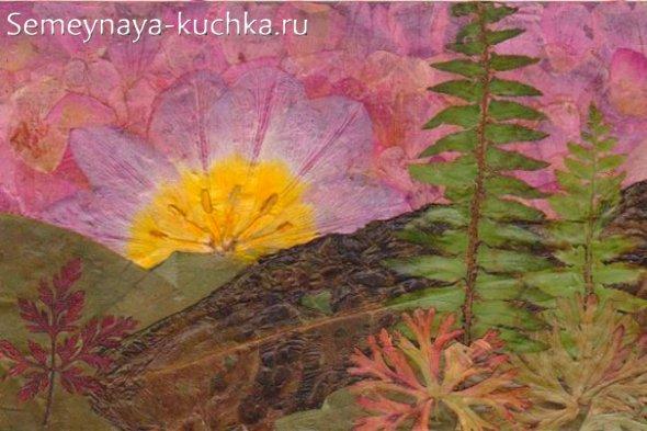 картина из трав и листьев
