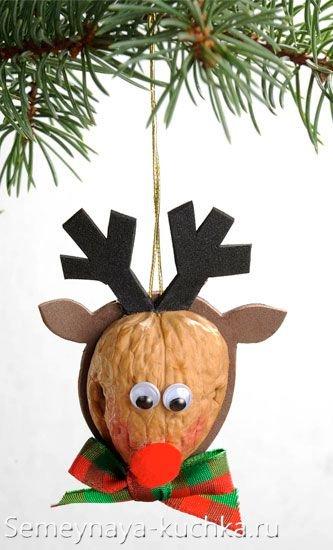 поделка из ореха на новый год