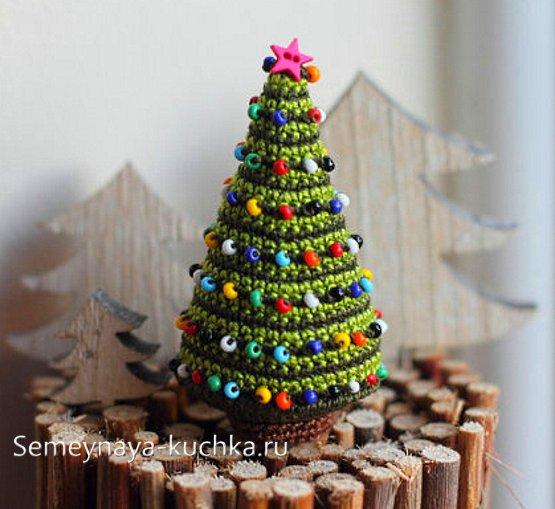 как крючком связать новогоднюю елку