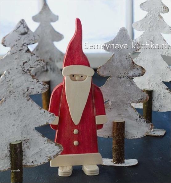 Новогодний дед мороз деревянный