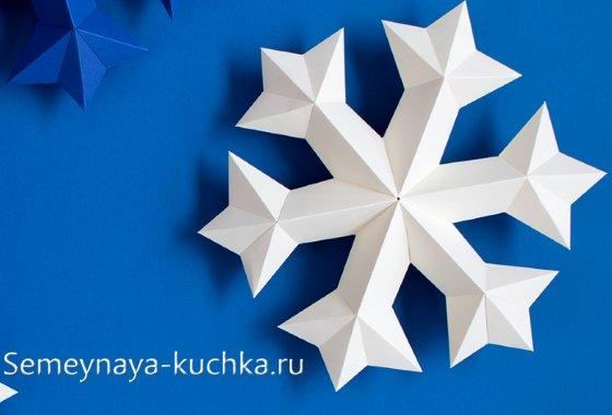 снежинки из картона под трафарет