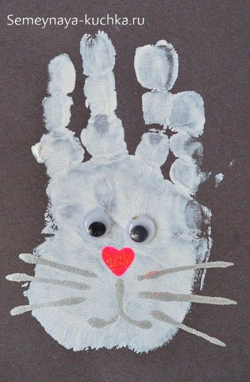 рисование ладошками заяц