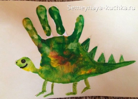 рисование ладошками динозавр