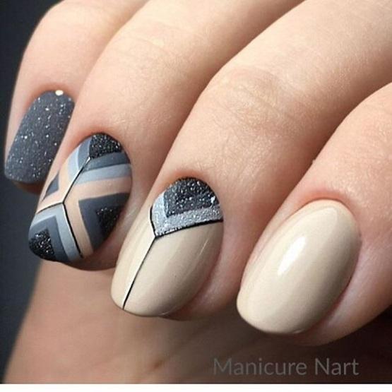 серо бежевый маникюр на короткие ногти
