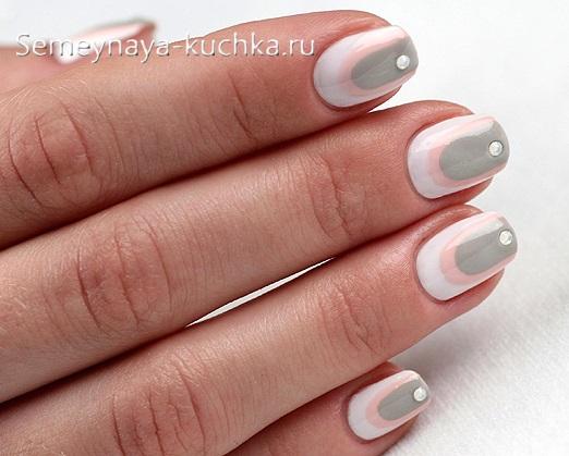 серый белый розовый нежный маникюр