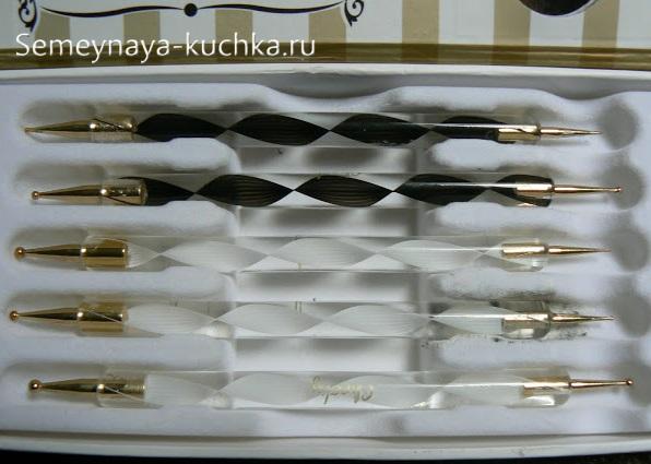 инструменты для нежный маникюр