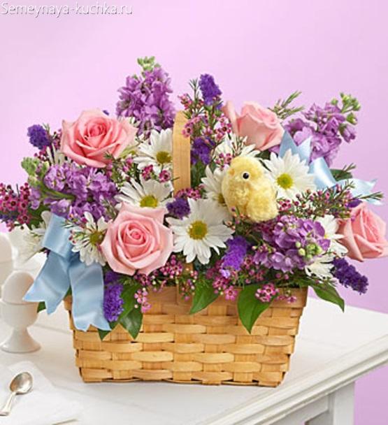 цветы в корзине розовые белые фиолетовые