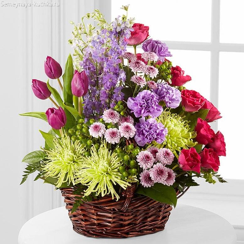 цветы в корзине букет красивый